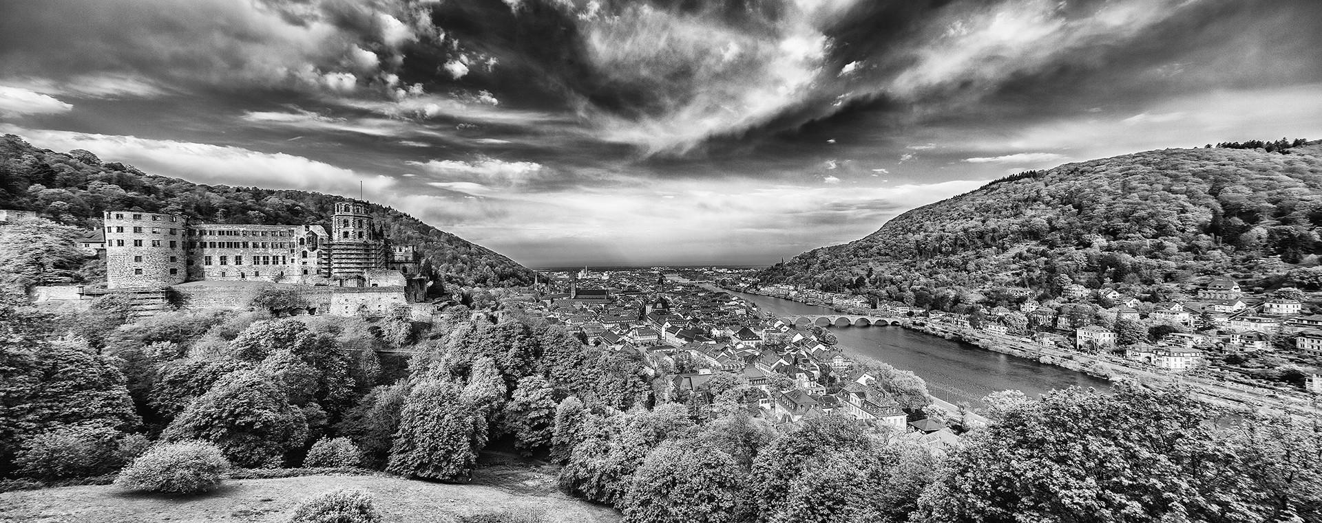 HeidelbergSchlossAnsichtHeidelberg_Facebook by Photographer: Roger Schaefer.